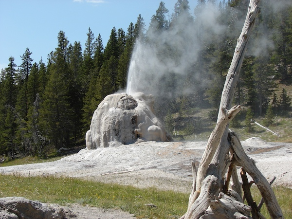 One Day in Yellowstone: Boiling River, Lone Star Geyser, Old Faithful