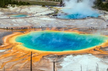 Yellowstone's grand prismatic spring